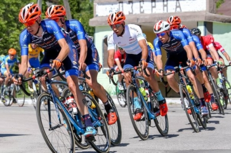 Tivani tuvo un accidentado debut en el Giro de Italia